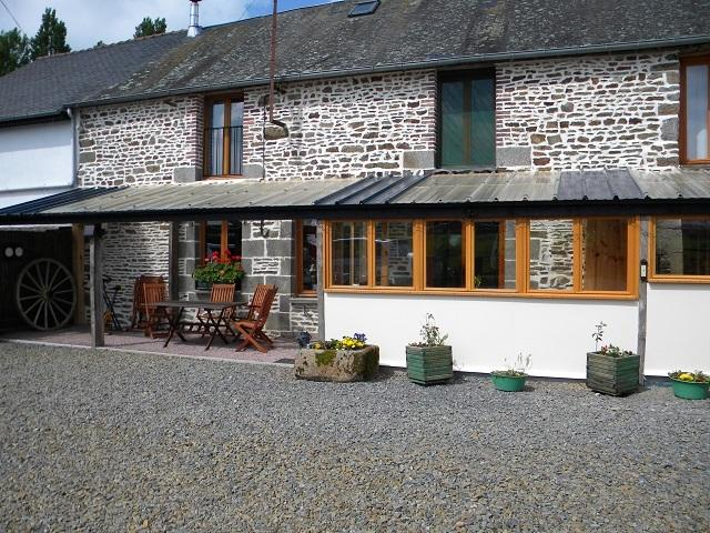 Le Pre b and b sleeps 2, holiday rental in Antrain
