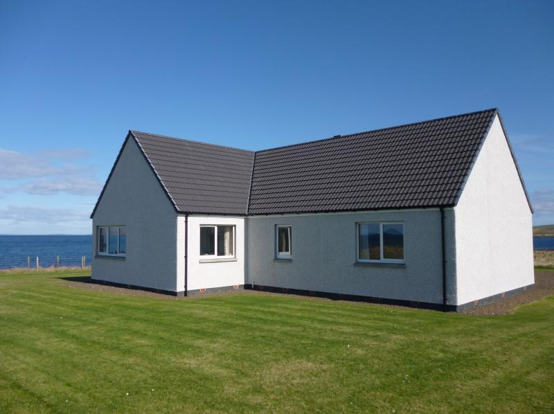 Mey Cliff Cottage - right on the coast!