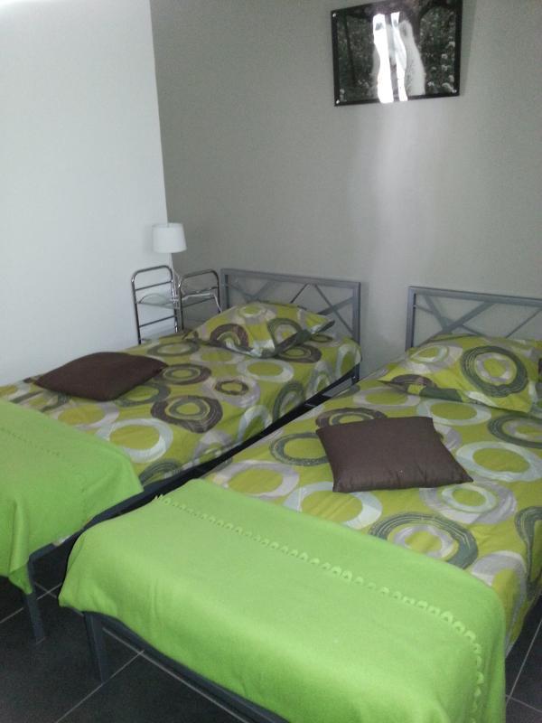 chambre 2 : avec 2 lits en 90