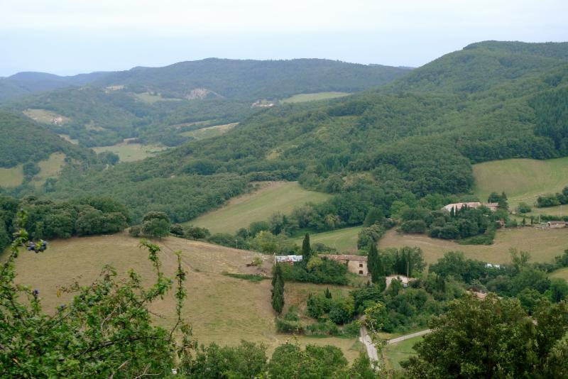 Le Rouget nestling in the hills