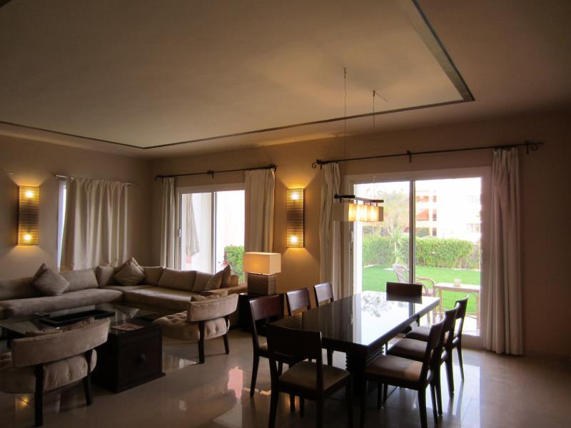 LUXURY 1BD SUITE WITH GARDEN (VILLA 9B1), holiday rental in Nabq Bay