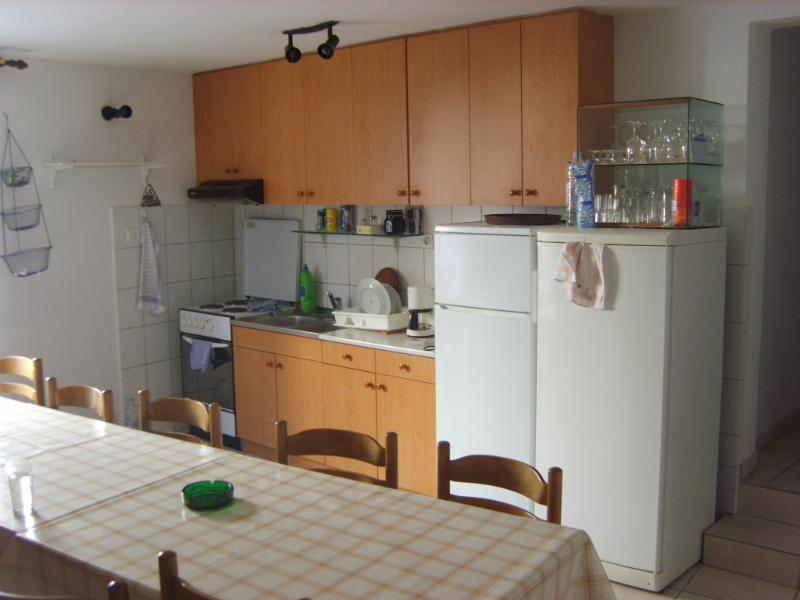 shared kitchen for all guest