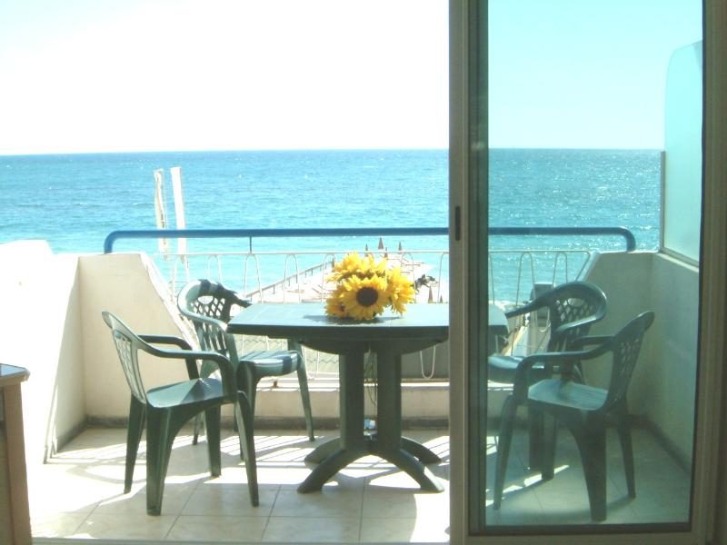 JUAN LES PINS TO 5 KMS OF CANNES SEA VIEW;