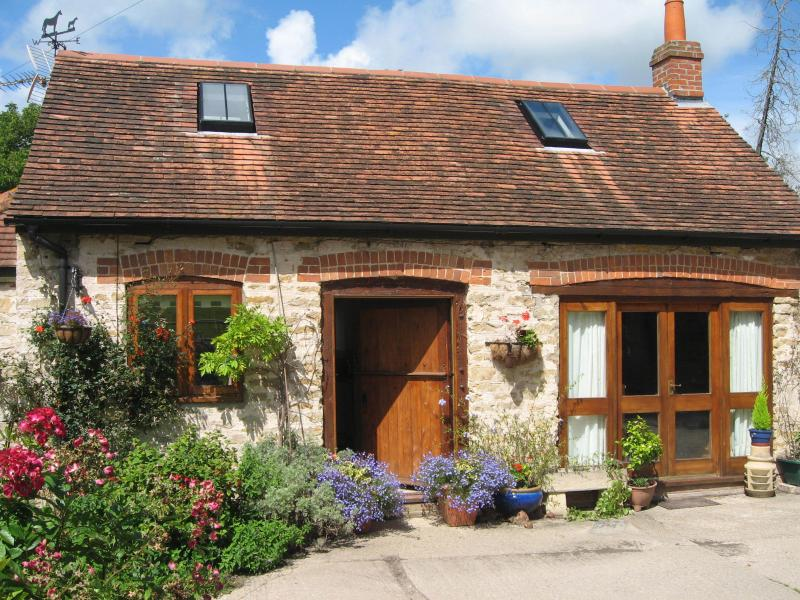 Period cottage with romantic charm in beautiful quiet location on Dorset coast, holiday rental in Weymouth