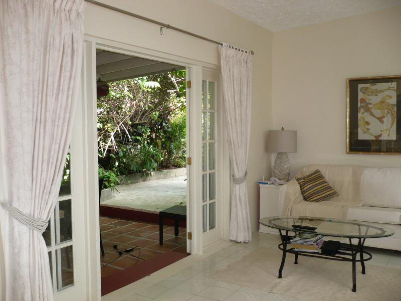Lounge French doors to dining area
