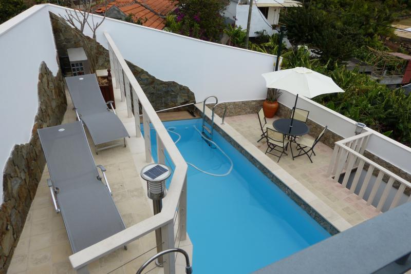 vue do balcon de la chambre vers la piscine