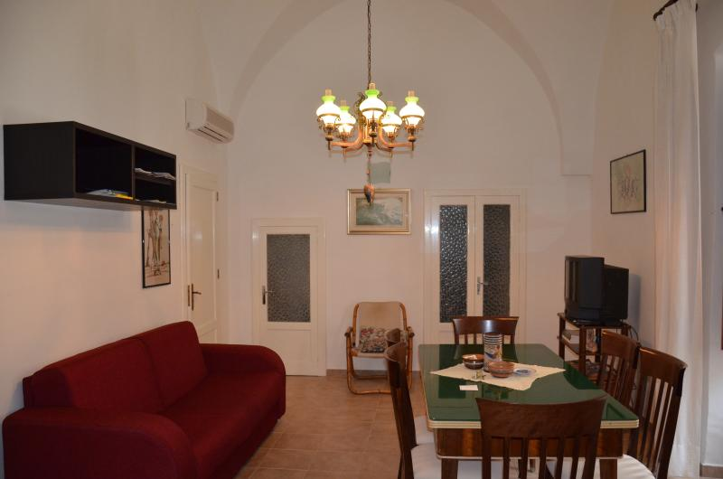 Dalnonnolele living room