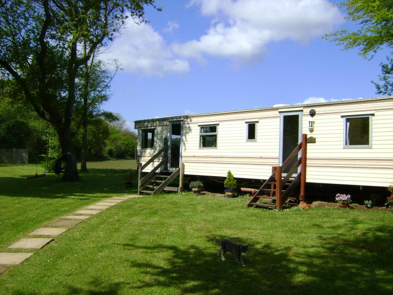 'Stream Meadow' 3 bed/rmd, sleeps 6, (2 dble, 2 singl) Dbl glazed, Ctl Heated. Autism & SEN Friendly
