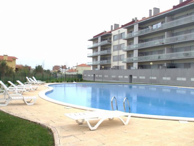 S.Martinho do porto,3 minutos a pé da praia, com piscina,, acolhedor, conforto, férias,