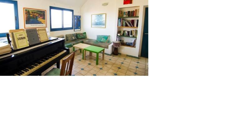 The music room - ideal for musicians in vacation