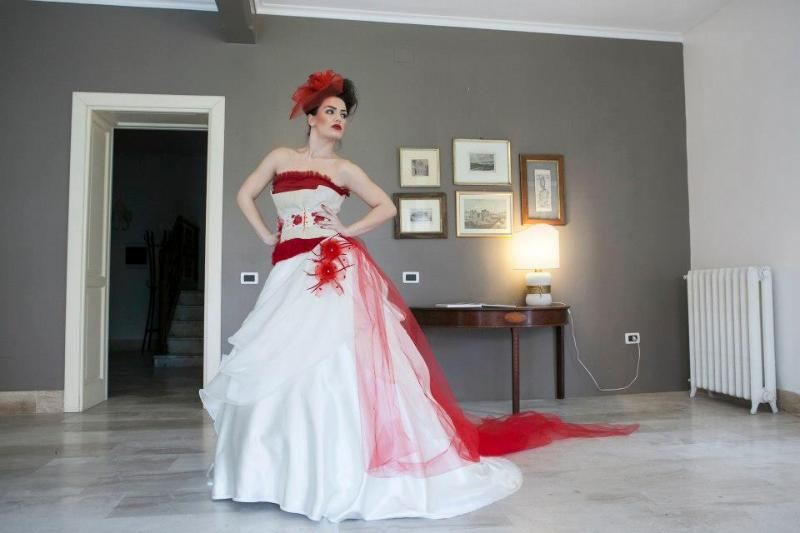 una sposa nell'ingresso