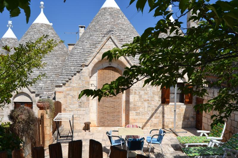 TRULLO EDERA - I SETTE CONI, holiday rental in Cisternino