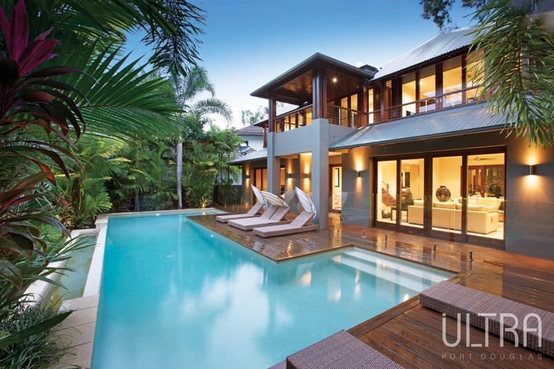 Luxury vacation rental Port Douglas