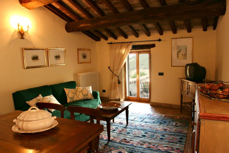 Le Logge di Silvignano-  Tower House  Roof Terrace with View -  Pool-  WiFi, holiday rental in Lenano