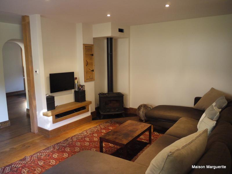 Profitez de l'espace de cette maison idéalement située et modernisée