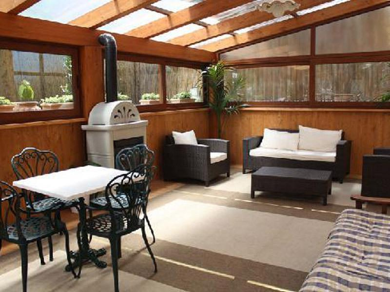Casa Ticky, cover patio, living room (on demand with single bed) in sorrento coast vacation to book