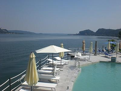 Meina Villa Sleeps 5 with Pool Air Con and WiFi - 5238838, Ferienwohnung in Meina