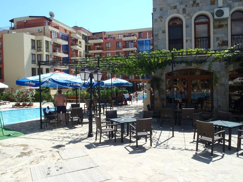 Restaurant by pool