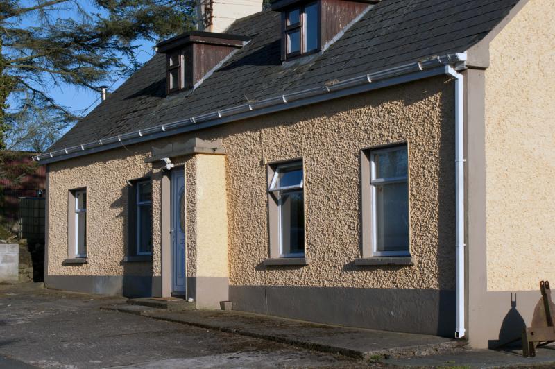 4 bed-room dormer cottage (sleeps 8) with garden, 2 living rooms, secure storage + bait fridge
