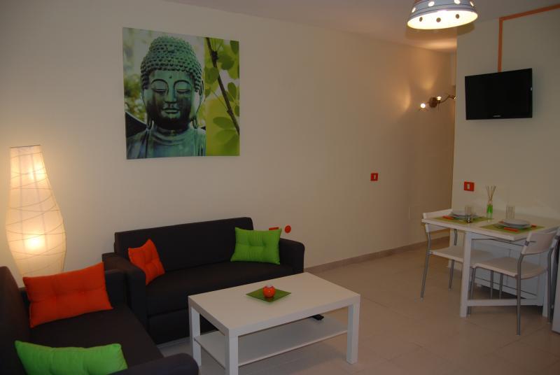 Modern apartment in Arinaga, alquiler vacacional en Arinaga