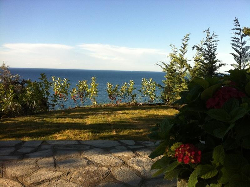 Isabel Artemis, Chorefto-GAYA, casa vacanza a Makrirrachi