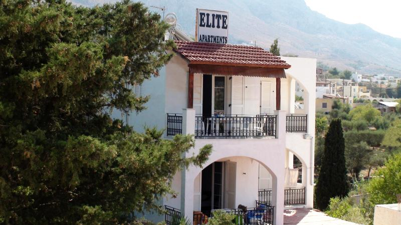 Elite apartments, location de vacances à Mirties