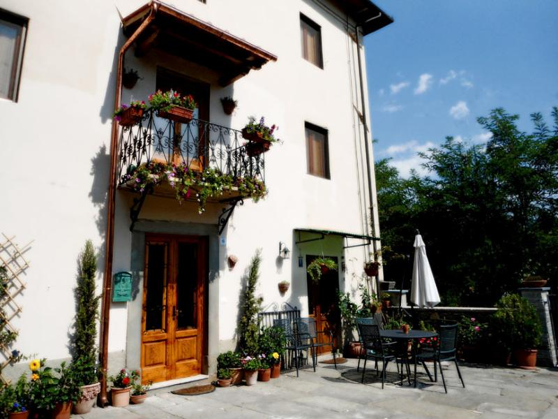 Casa La Pace Bed and Breakfast, vacation rental in San Romano
