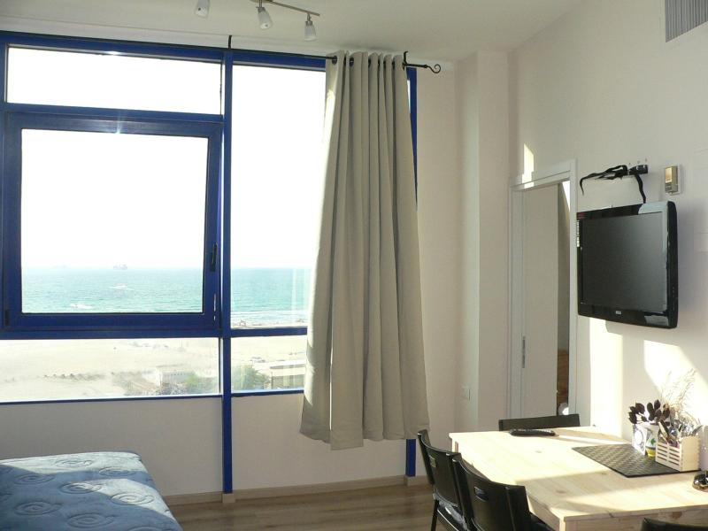 Ashdod Suite with Sea View, holiday rental in Kiryat Gat