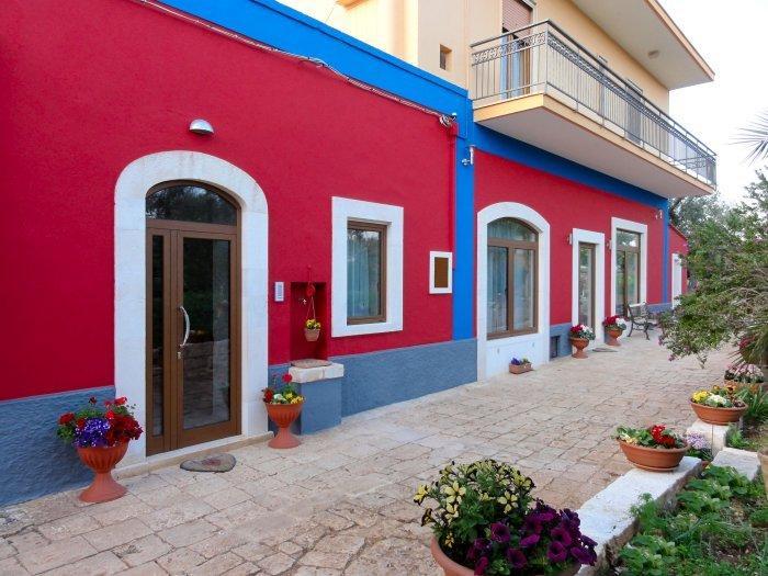 Ape Rossa B&B, holiday rental in Scamardella