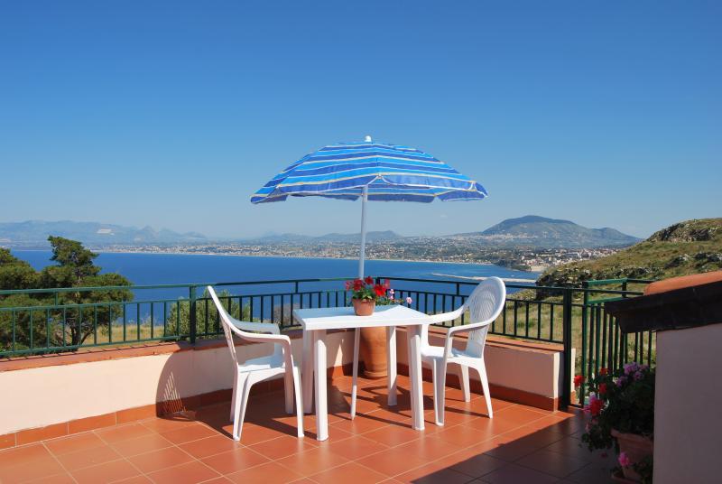 Casa Vacanza la Terrazza  sul Golfo, holiday rental in Castellammare del Golfo