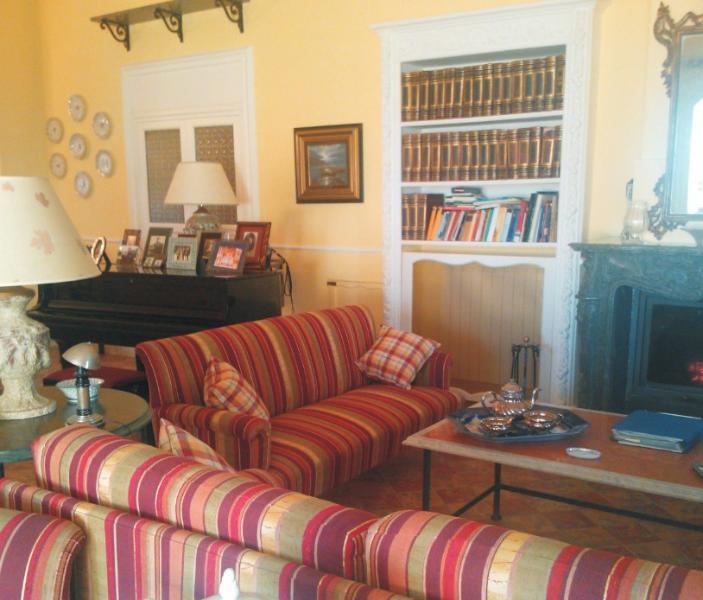 salone con pianoforte