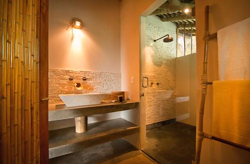 En-suite bathroom with walk-in powerful rain shower (solar powered heated water 24/7)