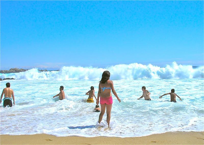 10 Mins walk to this beach 10 minutos a esta playa