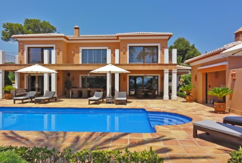 One of the most expensive and luxurious villas in Moraira, Villa Stellar with its sparkling pool