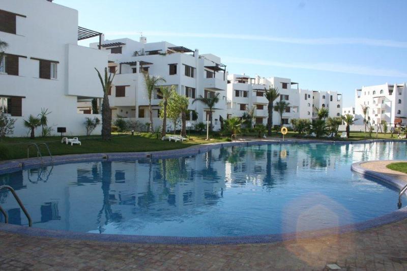 la cassia residence :la grande piscine, the large swimming pool