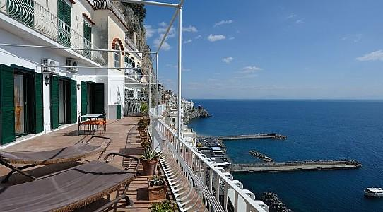 Amalfi Apartment Sleeps 6 with Air Con and WiFi - 5228993, vacation rental in Pogerola