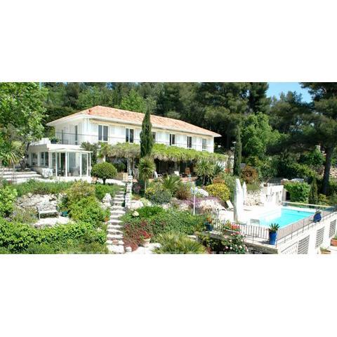 Stunning Villa Fleurie