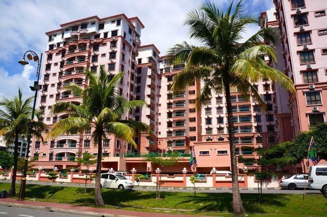 Marina Court
