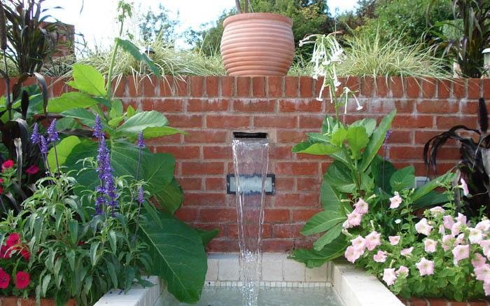 Little Barton water feature - garden