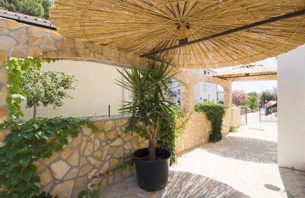 Apartmani Roza 1, vacation rental in Brodarica