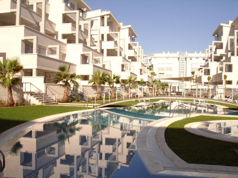 Elegance Complex, 2 swimming pools and facilities
