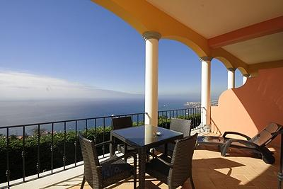 FUNCHAL AND SEA VIEW CORNER UNIT ONE BEDROOM