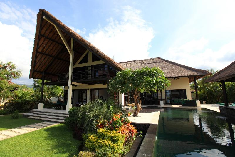 Villa Baruna - Bali Beach Villa, holiday rental in Lovina Beach