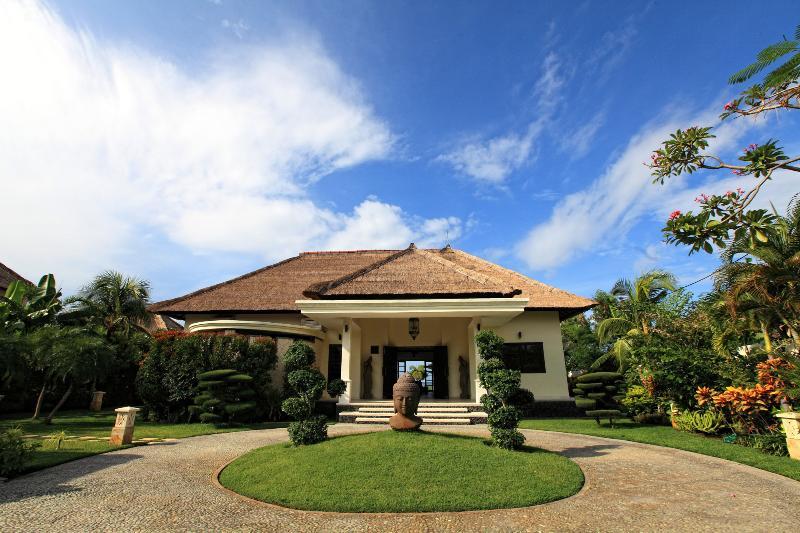 Arrival view of villa Baruna