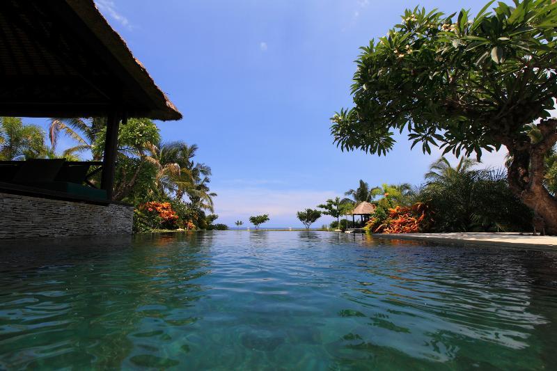Privat pool of villa Baruna