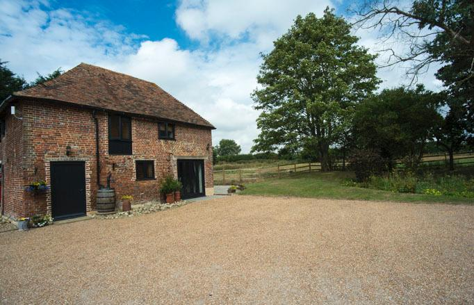Water Farm Granary, holiday rental in Brabourne