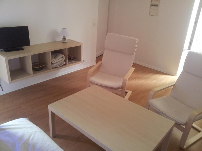 appartement ZEN / ZEN apartment, aluguéis de temporada em Soubes