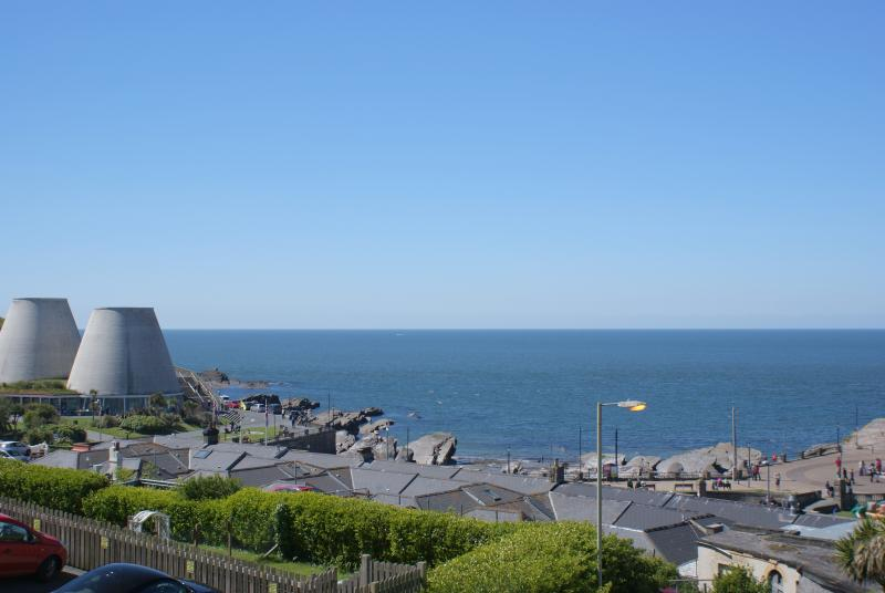 The immaculately presented 3, Cove View apartment benefits from uninterrupted sea views.