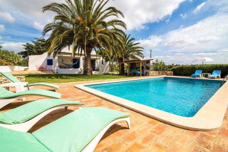 Villa Carvoeiro Alfanzina, holiday rental in Benagil