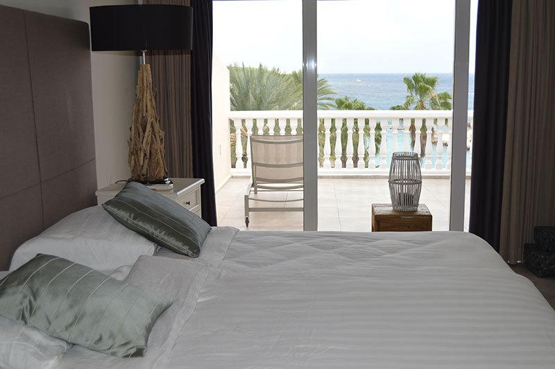 Spacious Superiour Master Bedroom at 2nd floor with ensuite bathroom and sunroof with sunbeds